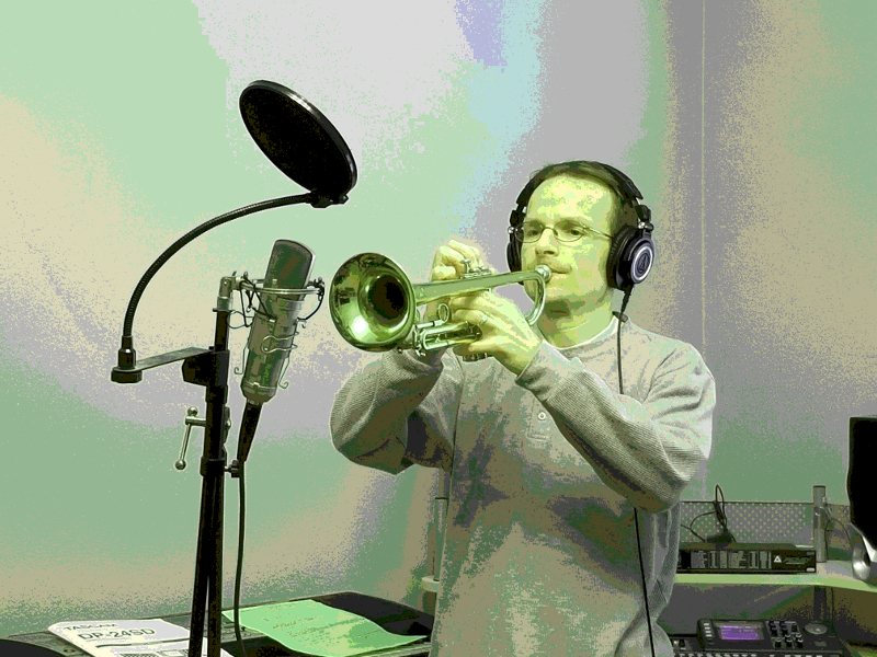 Tom with trumpet-800x800